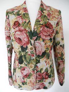 Blazer im Rosendesign