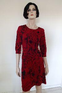 Kirschrotes Kleid